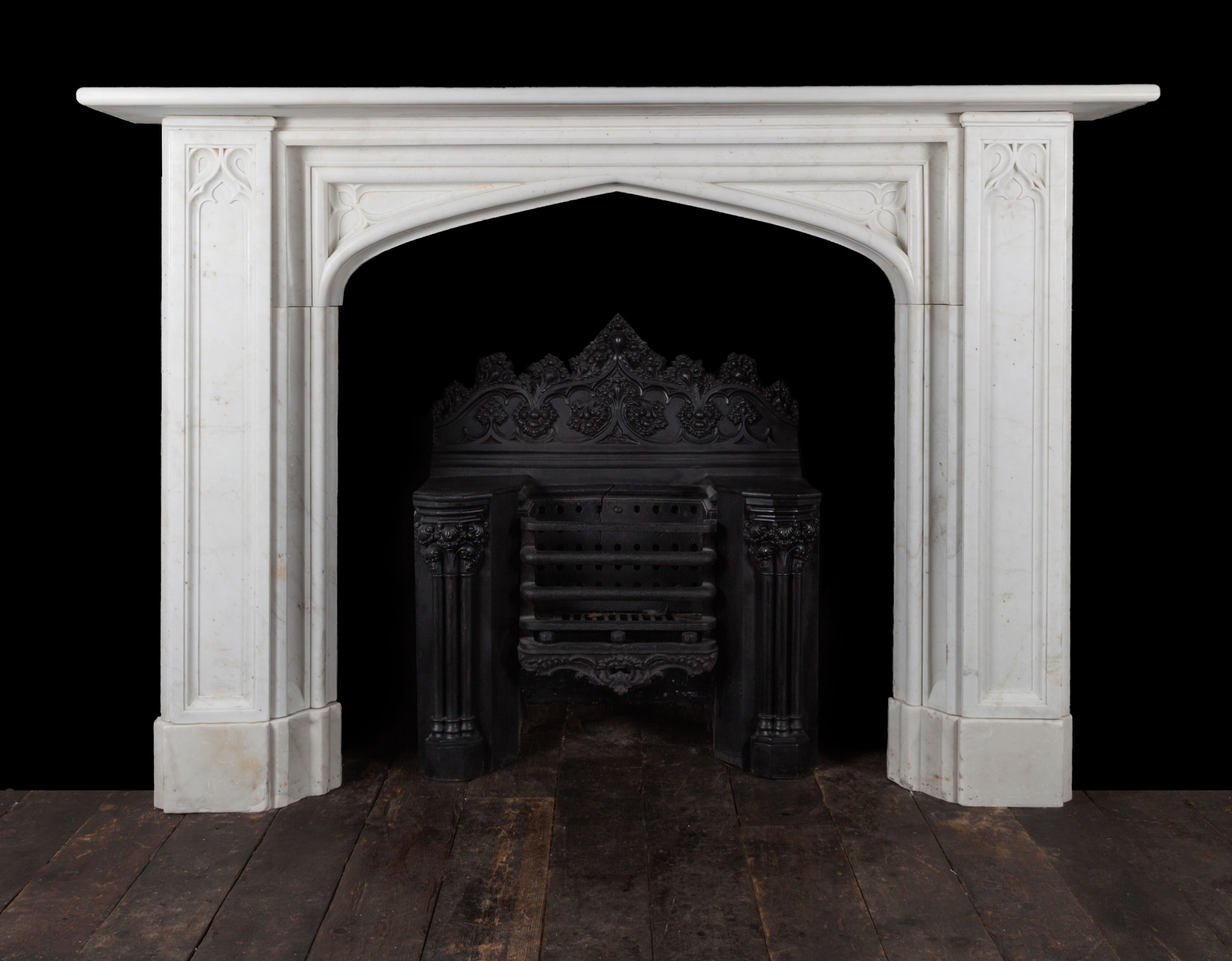 Gothic Chimneypiece – 19269