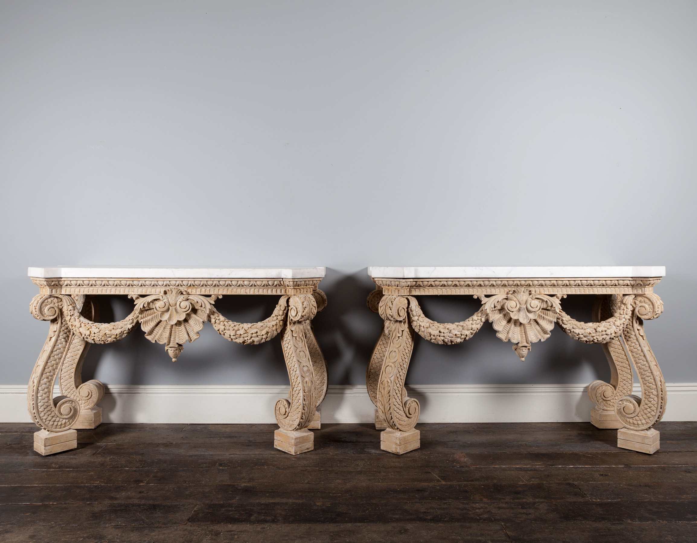 Console Tables – AF084